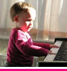 child-playing-piano-perfect-posture